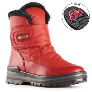 Red boot with pivoting grip